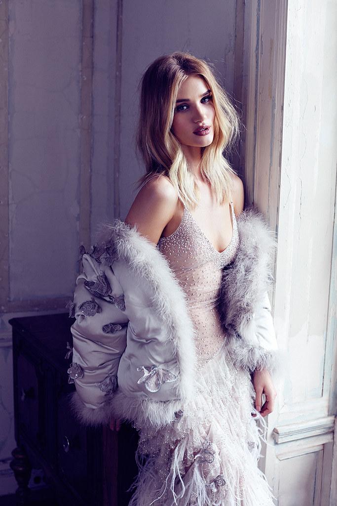 Роузи Хантингтон-Уайтли — Фотосессия для «Harper's Bazaar» UK 2016 – 11