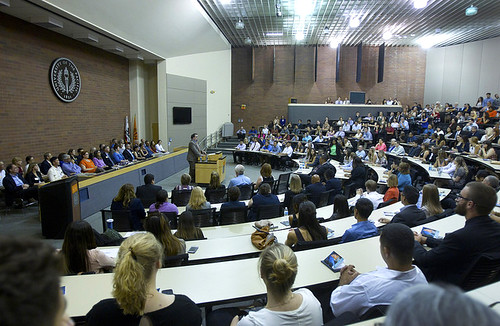 Dean Mootz swears in new law students