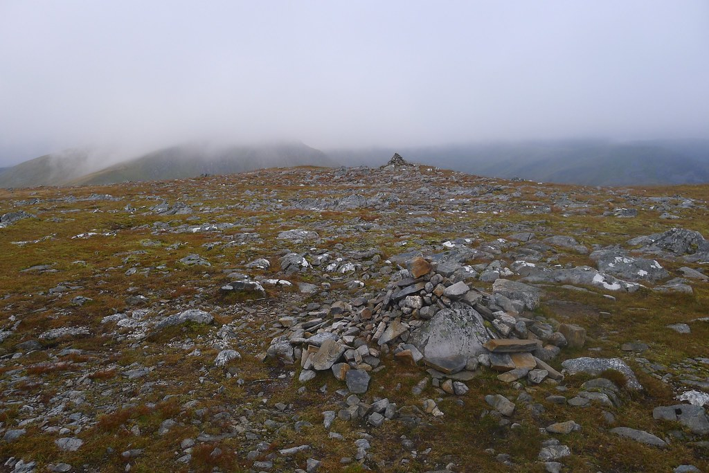Summit cairns on Carn Ghluasaid