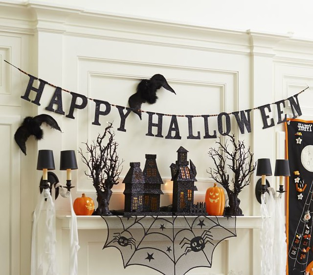 Happy Halloween Garland and decor