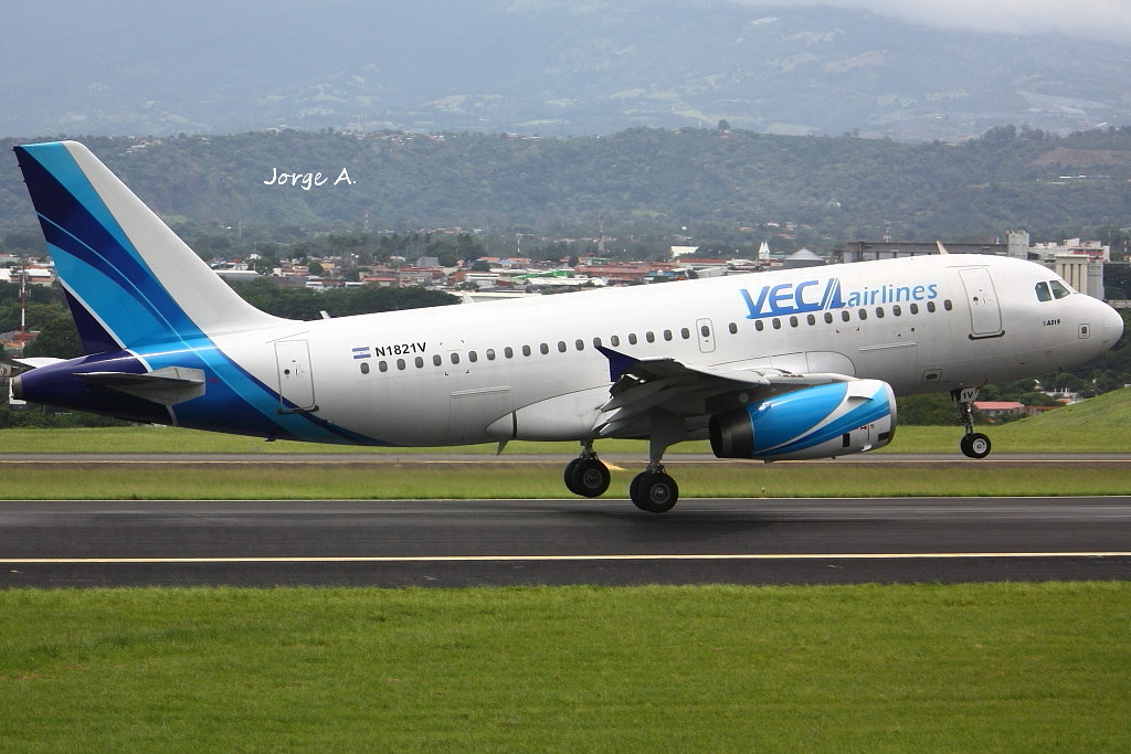 N1821V A319 Veca Airlines
