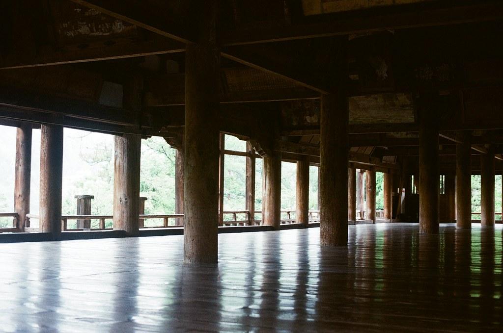 豊国神社 嚴島神社 嚴島(Itsuku-shima)広島 Hiroshima 2015/08/31 豊国神社內部,祭祀豐臣秀吉(豐國大明神)的神社。  Nikon FM2 / 50mm Kodak UltraMax ISO400 Photo by Toomore