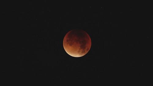 lunar lunareclipse bloodmoon supermoon superbloodmoon