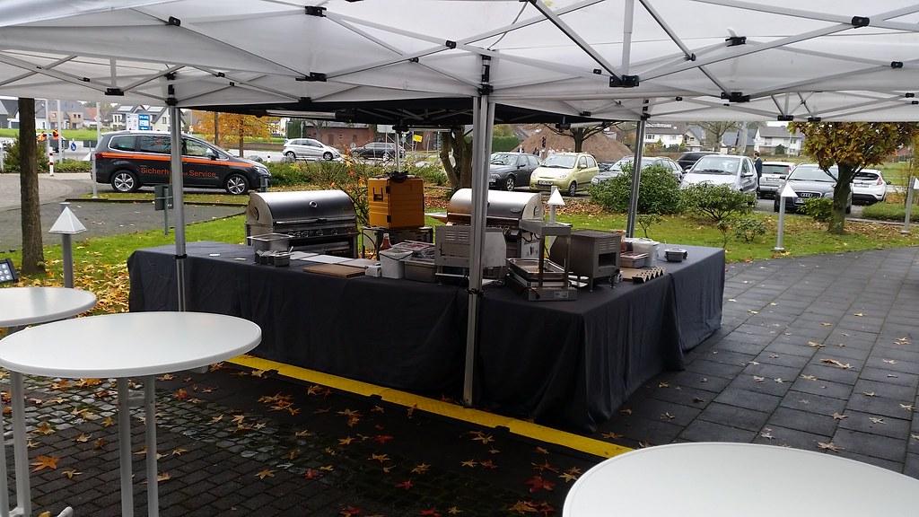"#hummercatering #Garant #rheda-wiedenbrück #A2Forum #mobile #bbq #grill #Burger #Event #Kongress #Messe #Business #Catering #service  http://goo.gl/lM2PHl • <a style=""font-size:0.8em;"" href=""http://www.flickr.com/photos/69233503@N08/22831157132/"" target=""_blank"">View on Flickr</a>"