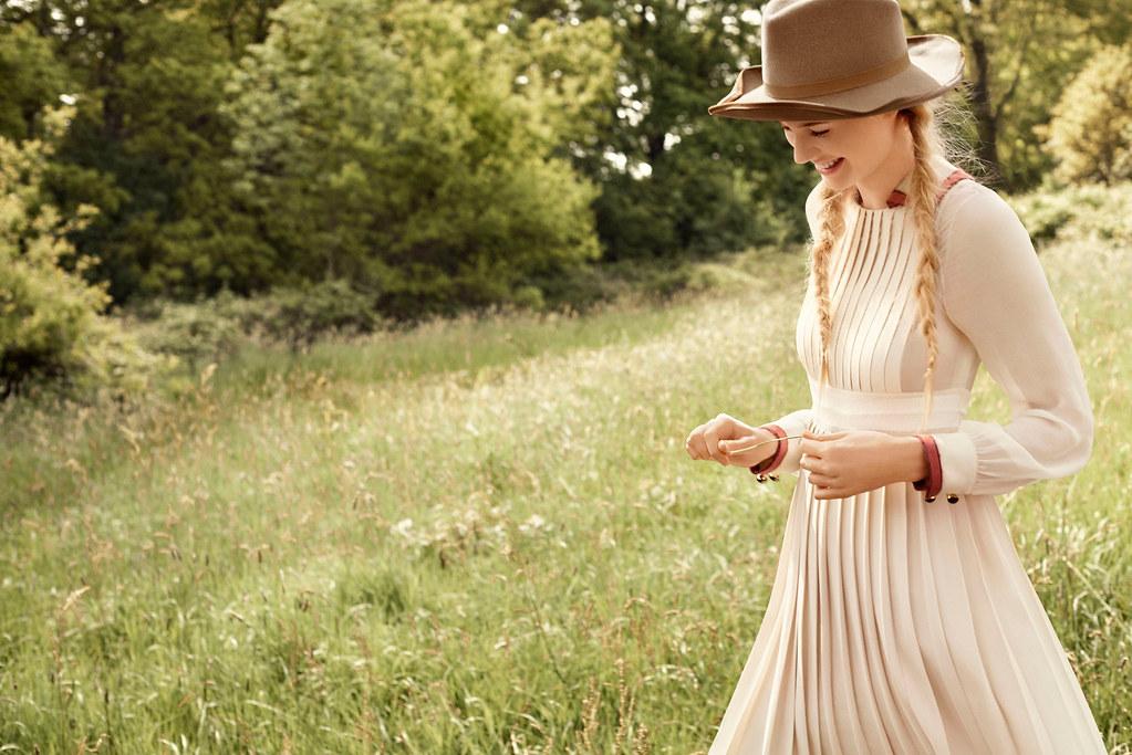 Элизабет Дебики — Фотосессия для «Vogue» 2015 – 1