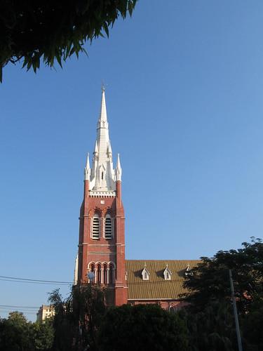 Yangon dans toute sa diversité: une église