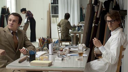 映画『サンローラン』より © 2014 MANDARIN CINEMA - EUROPACORP - ORANGE STUDIO - ARTE FRANCE CINEMA - SCOPE PICTURES / CAROLE BETHUEL