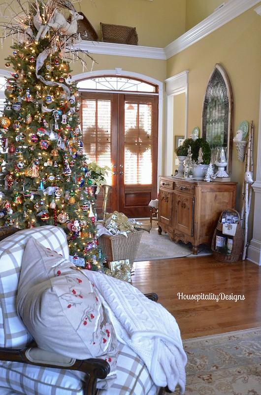 Foyer/Great Room-Housepitality Designs