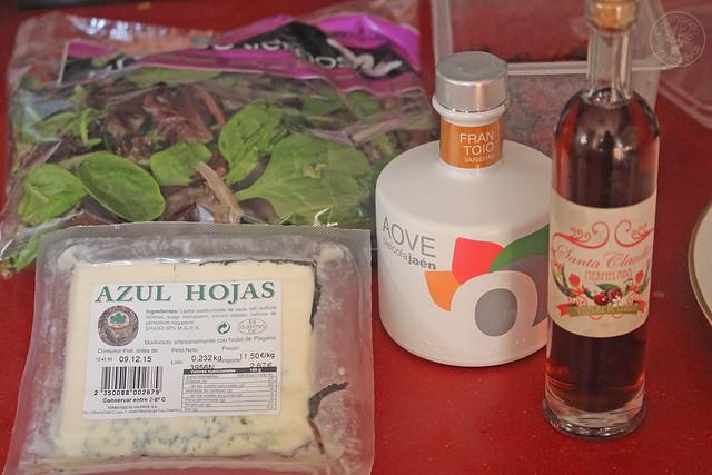 Ensalada con pera envuelta en hojaldre www.cocinandoentreolivos.com (9)