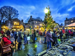 Carol Singing in Grassington   #yorkshire #yorkshirelife #christmas #grassington #godsowncountry #welcometoyorkshire #igersmood #IGYorkshire #igersyorkshire #PhotoOfTheDay #scenes_of_yorkshire #loveGreatBritian #visionsofyorkshire #bestofyorkshire #britai