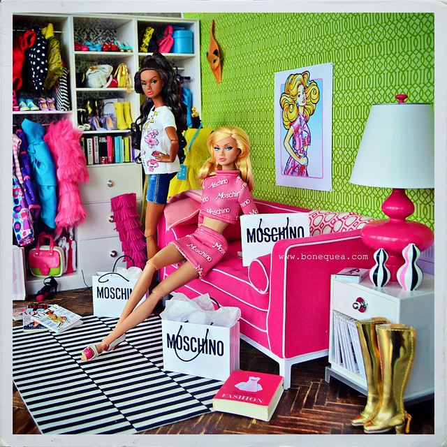 Poppy Parker loves Moschino