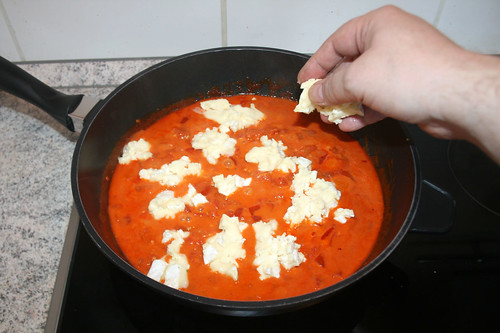 30 - Camembert in Sauce geben / Add camembert to sauce