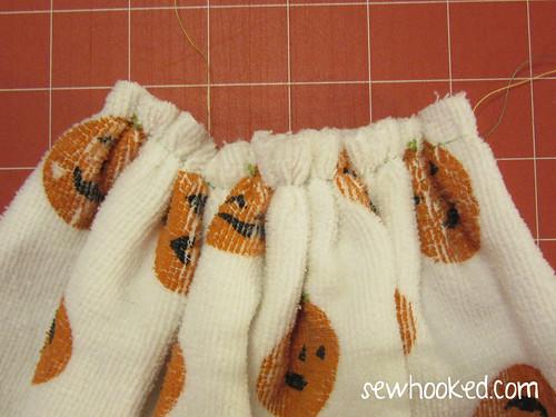 Jack-O-Lantern Dish Towel Hanger by Jennifer Ofenstein, sewhooked.com