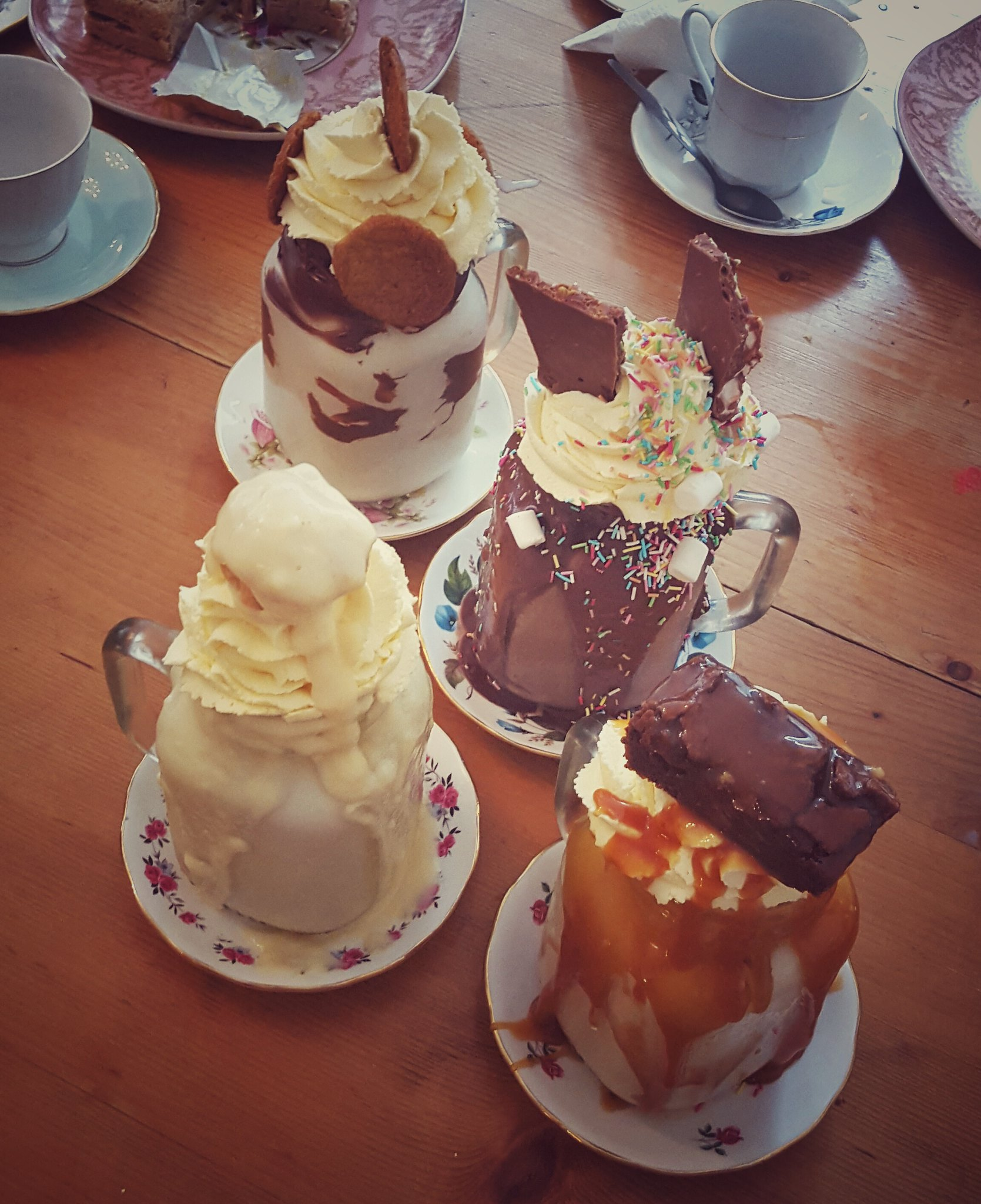 Bizarre milkshakes bij The Great British Cupcakery