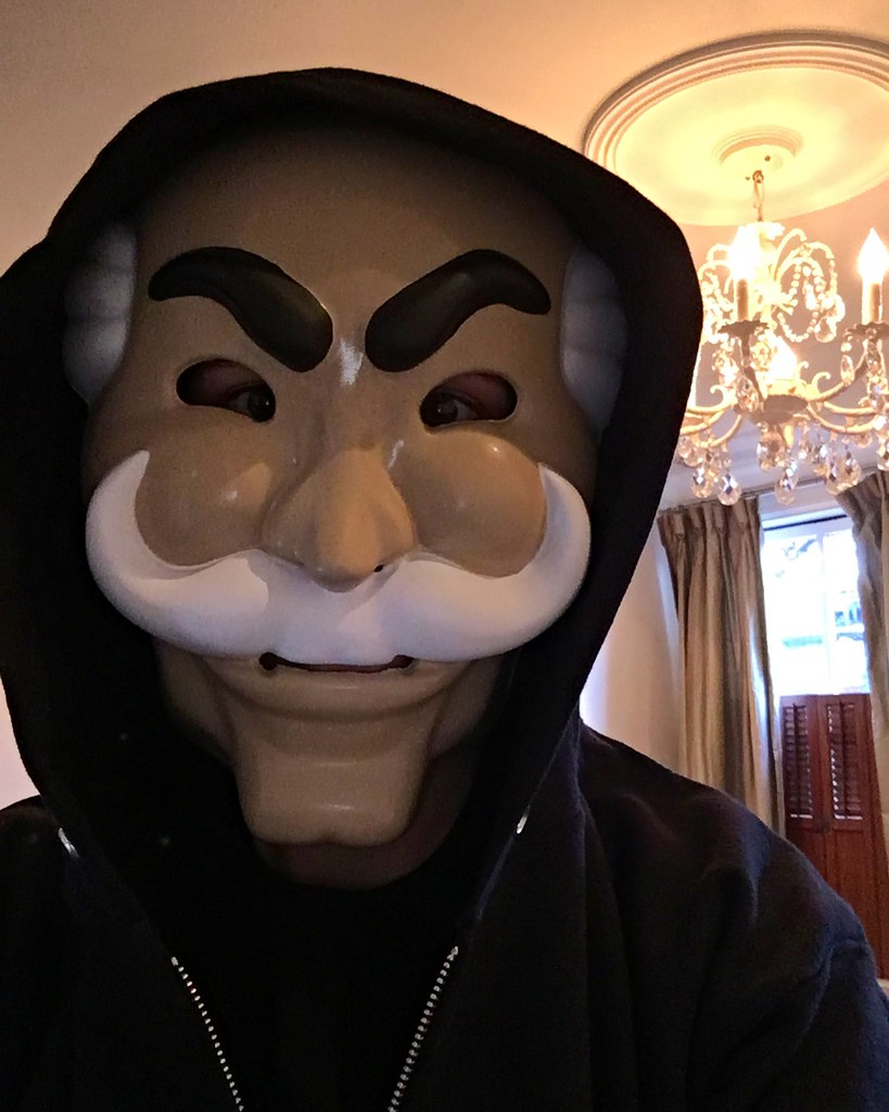 Make Your Own DIY Mr. Robot Costume this Halloween - Old Town Home