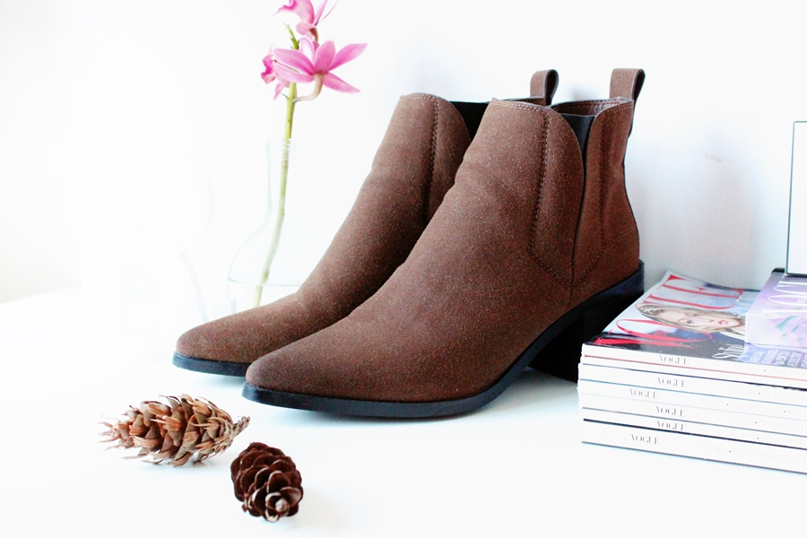 BROWN BOOTS (1)