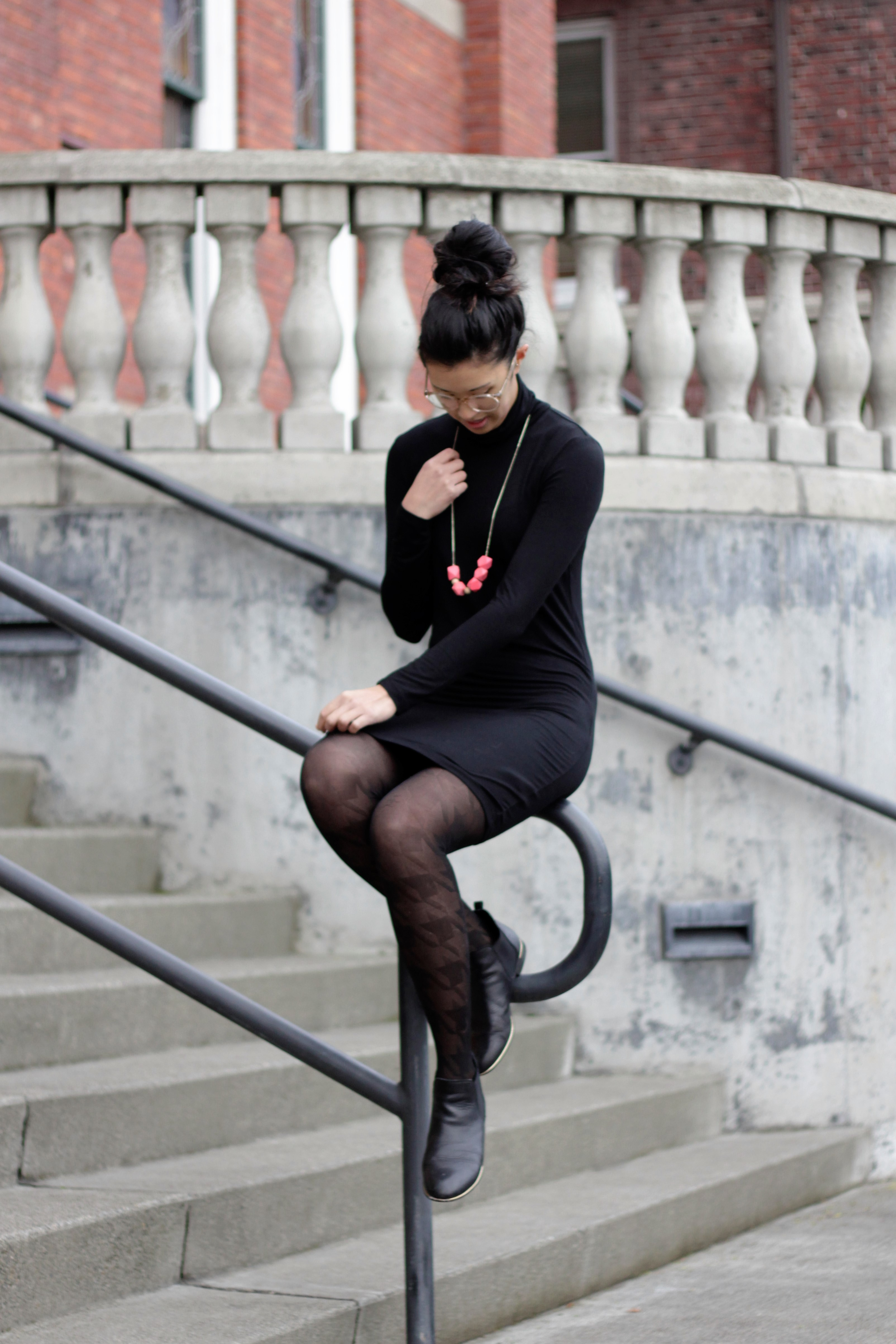 how to style a turtleneck dress
