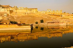The Amber Fort in Jaipur, India was one of the most photogenic places I have ever visited. Thank you @onthegotours for making it happen! #travel #india #jaipur