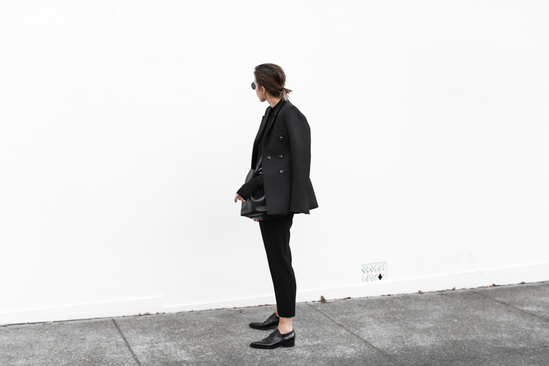 Ellery blazer, all black outfit, street style, fall, bucket bag, Stella McCartney loafers, workwear, MODERN LEGACY blog (1 of 1)