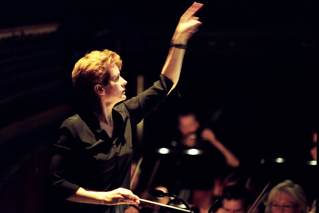 Conductor Julia Jones © Maurice Korbel, 2009