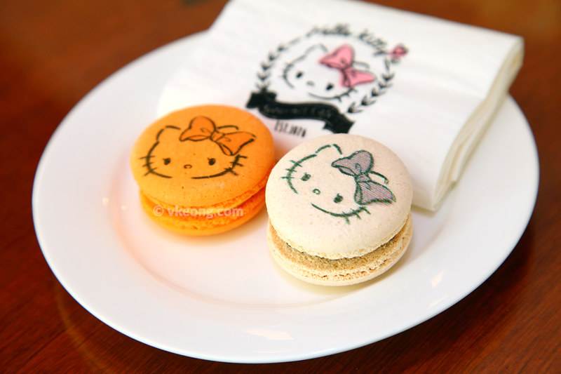 Hello-Kitty-Macaroons
