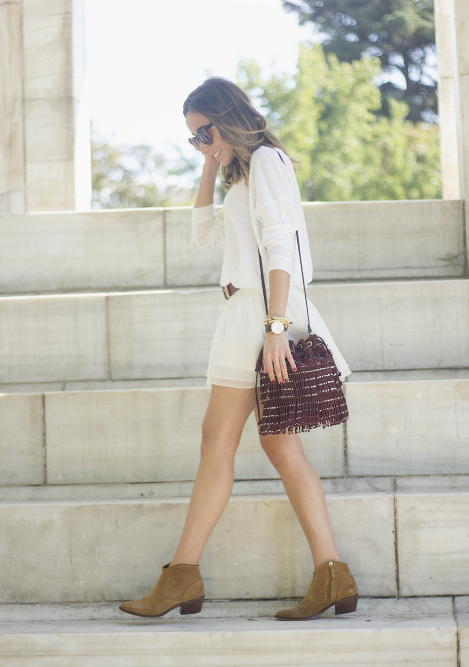 White casual outfit with brown booties and burgundy bag22