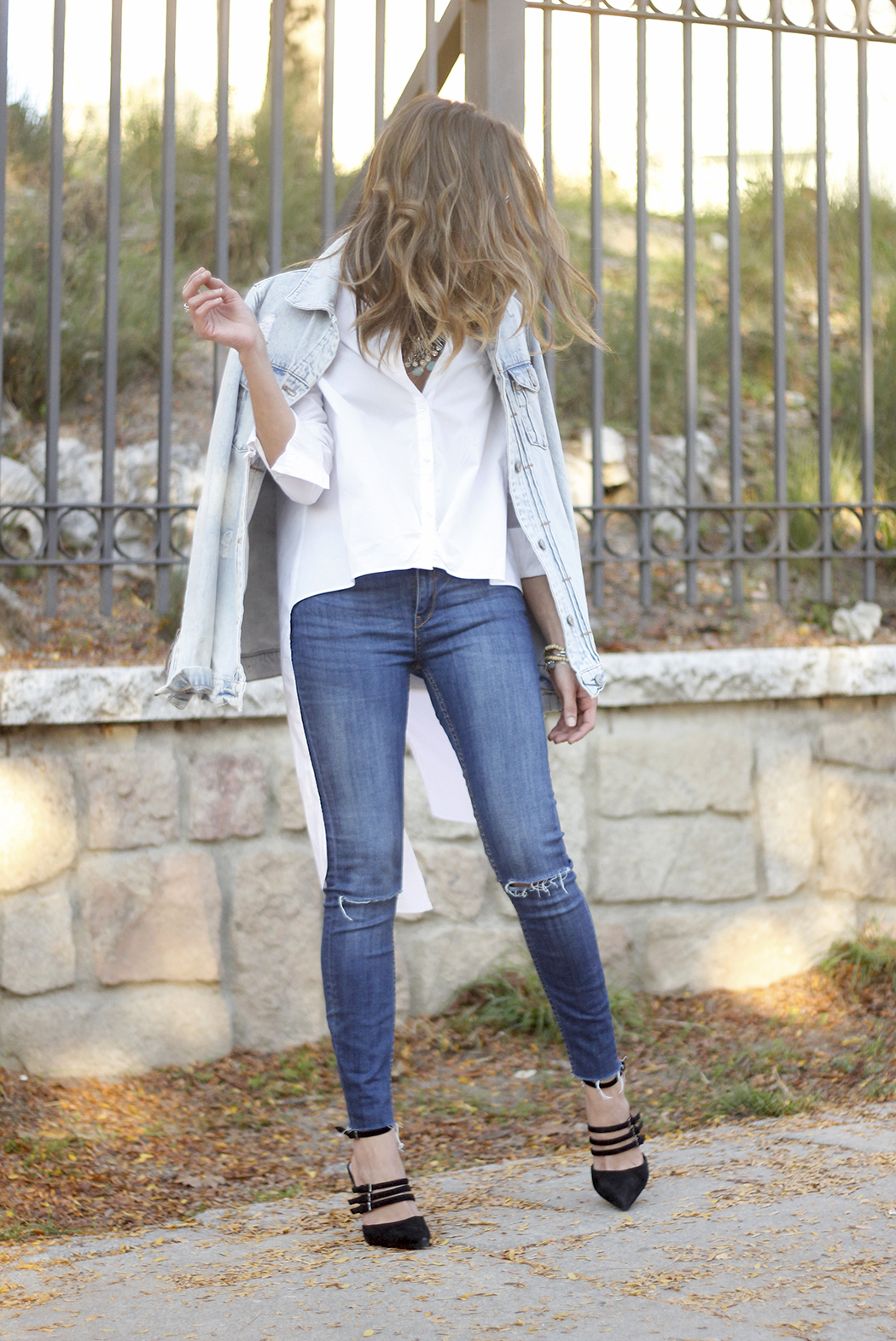 Denim Jacket Jeans White Shirt Black Heels outfit21