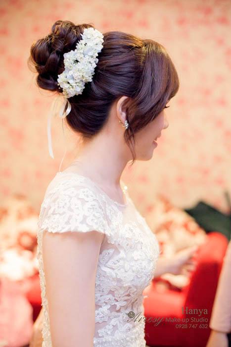 愛瑞思造型團隊,新秘Hanya,新秘推薦,新娘秘書,結婚造型,新娘髮型,鮮花造型,中和水漾會館