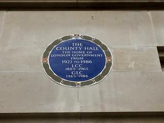 Immagine di County Hall. countyhall plaque lcc glc 1922 1986 1889 1965