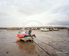 STAITHES'S BOATS ON LOW TIDE