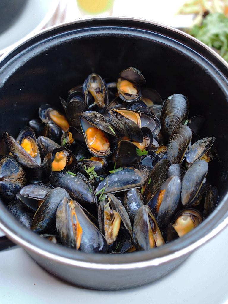 Villefranche-mussels