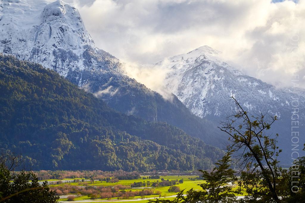 Montañas Nevadas En La Patagonia: One Photo Per Post