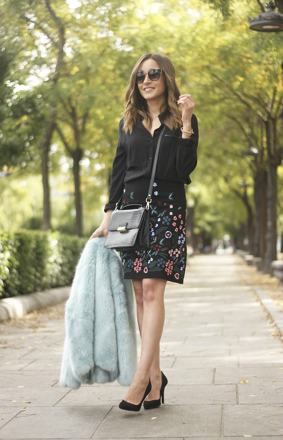 black skirt with flowers outfit20