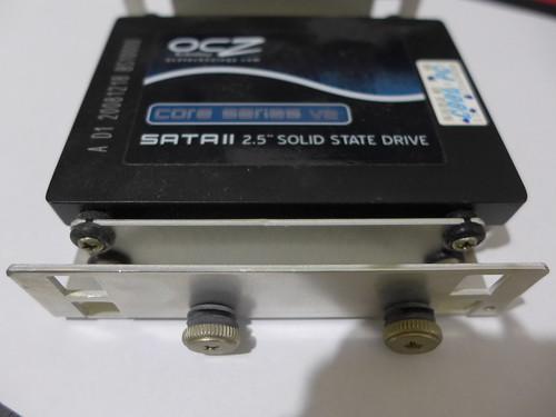 SSD 裝上硬碟架