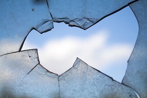 broken-window-960188_640