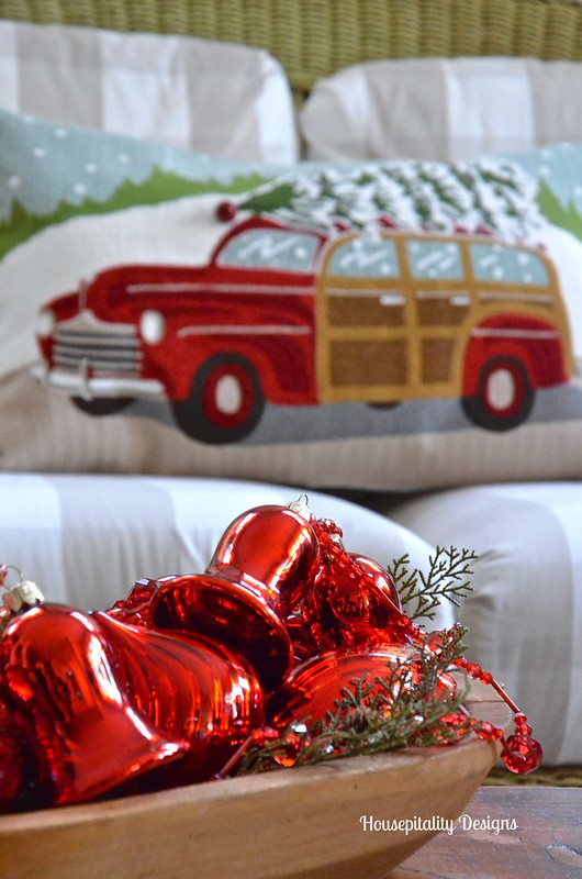 2015 Christmas Sunroom - Housepitality Designs