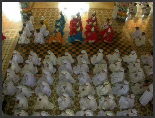 TAY NINH Messe Cao Dai
