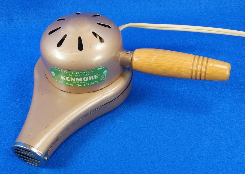 RD14519 Vintage 1949 Mid Century Kenmore Electric Hair Dryer # 559 8309 Wood Handle DSC06207