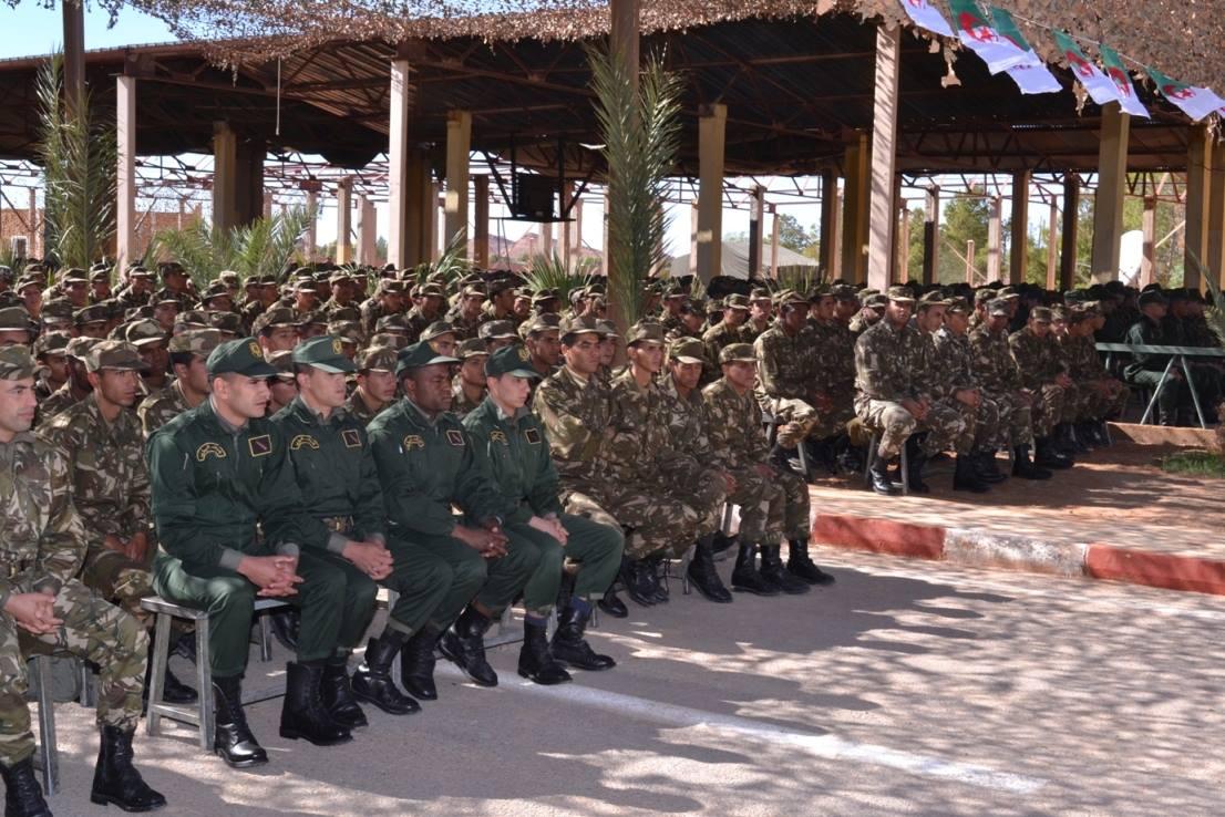 الجزائر : صلاحيات نائب وزير الدفاع الوطني - صفحة 5 30899403975_3a4109467f_o