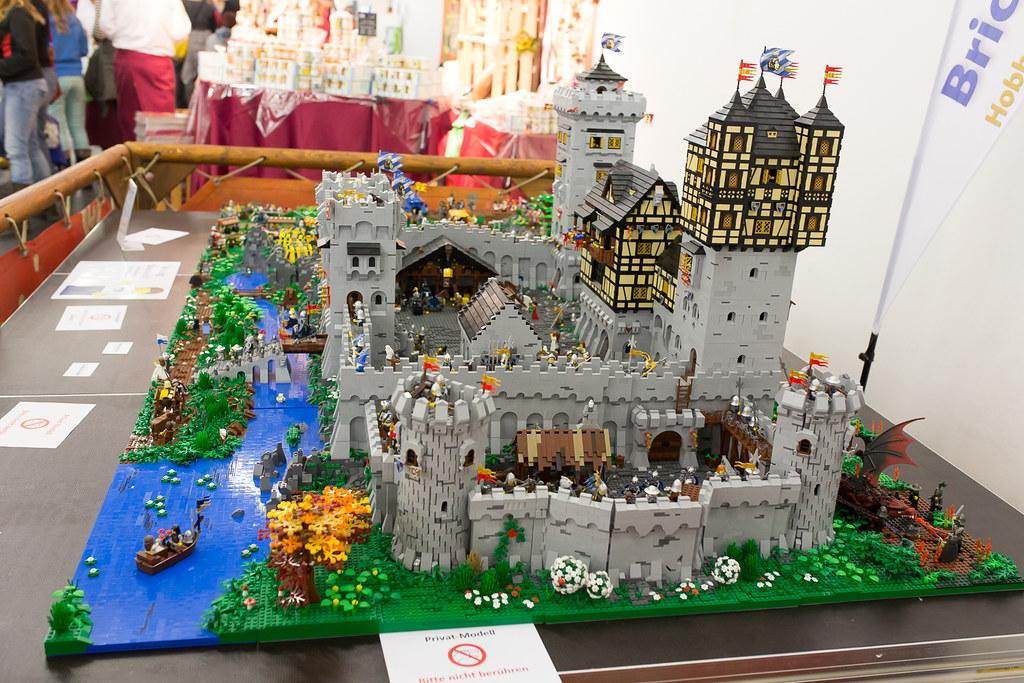 [LUG Exhibition]:Bricking Bavaria (Μόναχο 1-11-2013) pic heavy 21305670369_feda54d26a_b