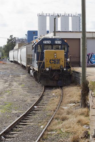 elchlok theindustrialrailfan henrydell spur industrialswitching industry industrial spotting csxtransportation geep gp382