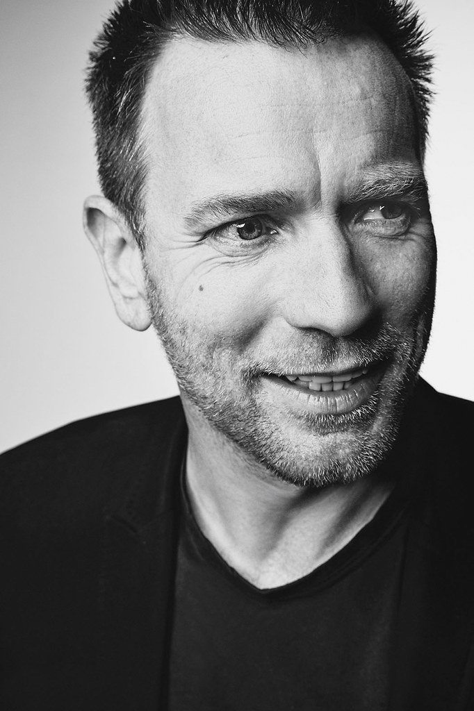Юэн МакГрегор — Фотосессия для «Американская пастораль» на «TIFF» 2016 – 5