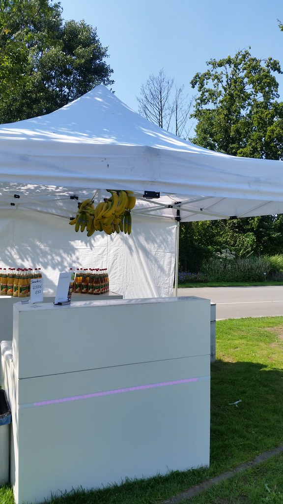"""#hummercatering #mobile #Smoothie #Bannana #Sommerfest #Sommer #sonne  #Smoothiebar #Rietberg #Vkm #spendenaktion http://goo.gl/B2w0Io • <a style=""""font-size:0.8em;"""" href=""""http://www.flickr.com/photos/69233503@N08/20192794483/"""" target=""""_blank"""">View on Flickr</a>"""