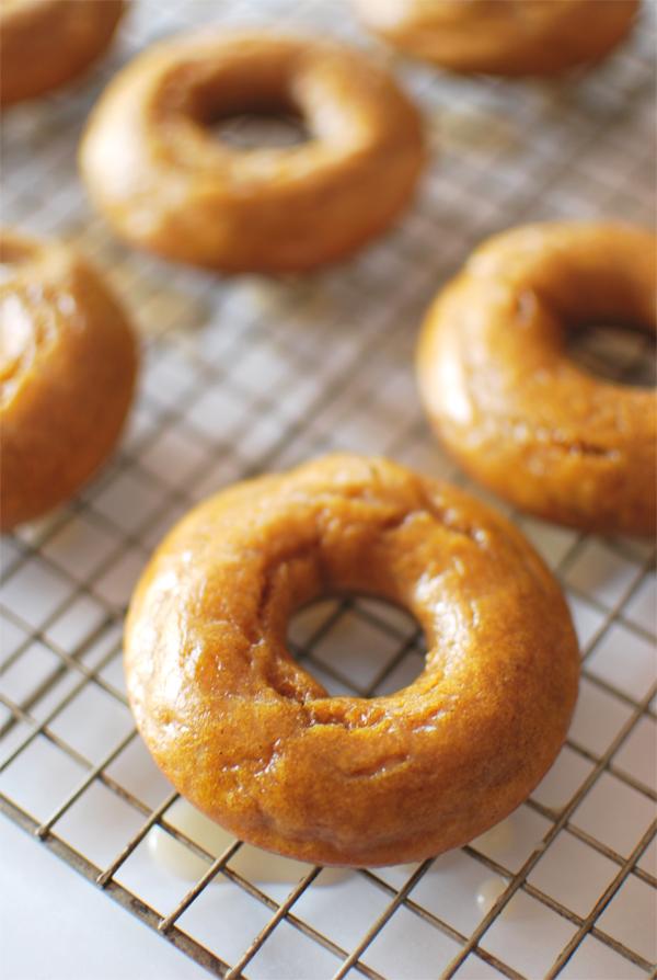 pumpkin-donuts-6