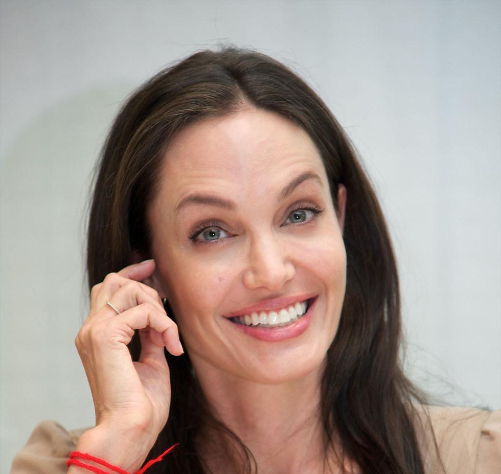 Анджелина Джоли — Пресс-конференция «Лазурный берег» 2015 – 11