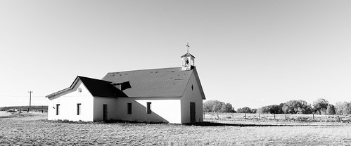 blackandwhite bw church monochrome us colorado catholic unitedstates kodak sanluisvalley delnorte bw400cn alienskin