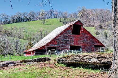us unitedstates tennessee barns oldhouses lewisburg lynvilleramble