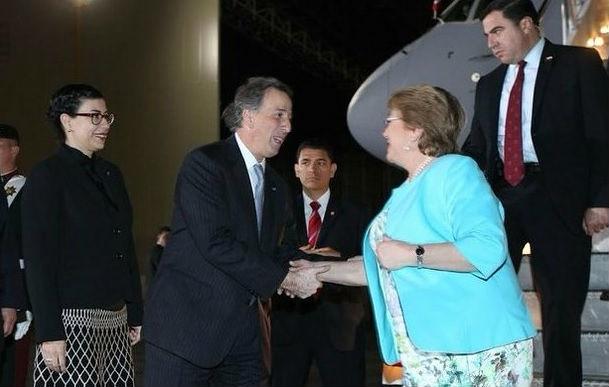 Bachelet inicia visita de Estado a México