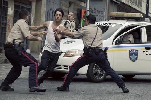 """Un'immagine dal film """"Desde allà"""""""