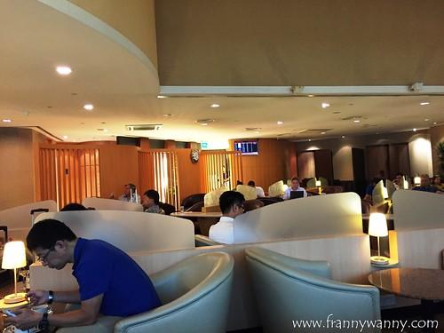 sats premier lounge 3